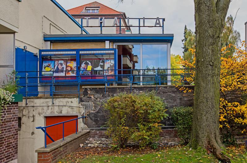 Berlin. Das Kino Thalia in Lankwitz. Mit Blick aus Richtung Kaiser- Wilhelm - Straße.