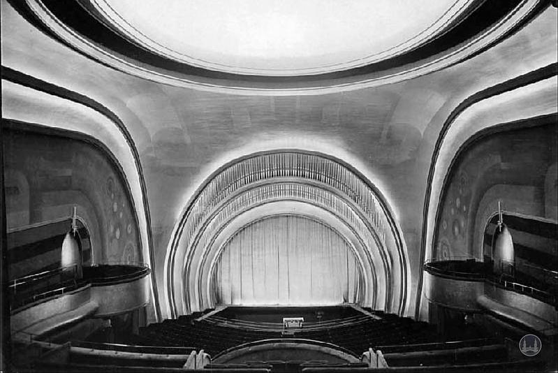 Kino Delphi Berlin Weissensee Architektur Bühne