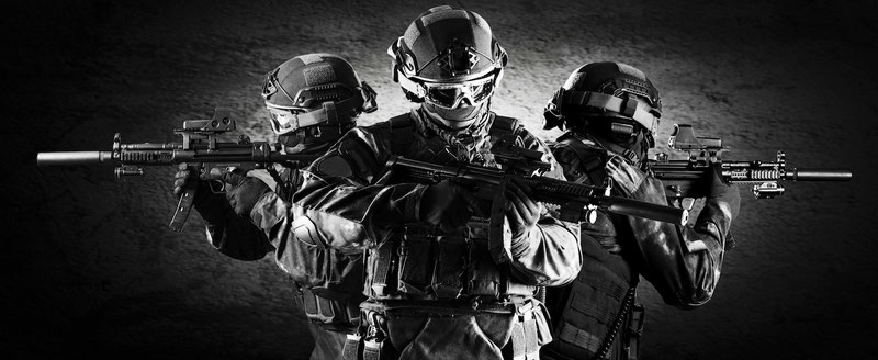 Mit den richtigen KRAV MAGA-Techniken können sogar Angreifer mit Schusswaffen abgewehrt werden