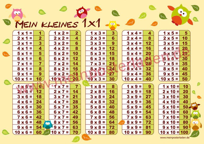 1 x 1 Lernposter für die Grundschule mit lustigen Eulen und bunten Herbstblättern, optional laminiert