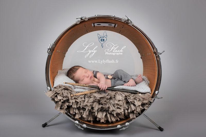 Photo naissance nouveau-né bébé par photographe