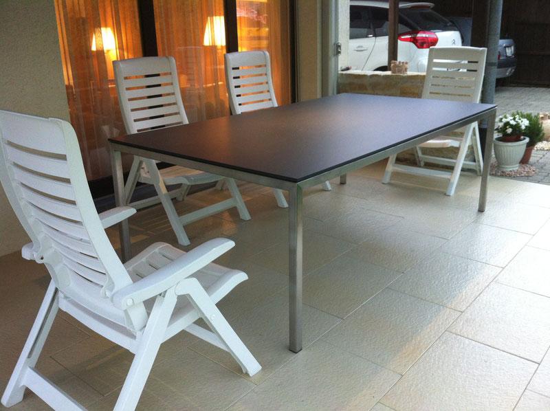 Tisch Chromstahl Tischplatte Kunstharz Vollkern Marmorimitat