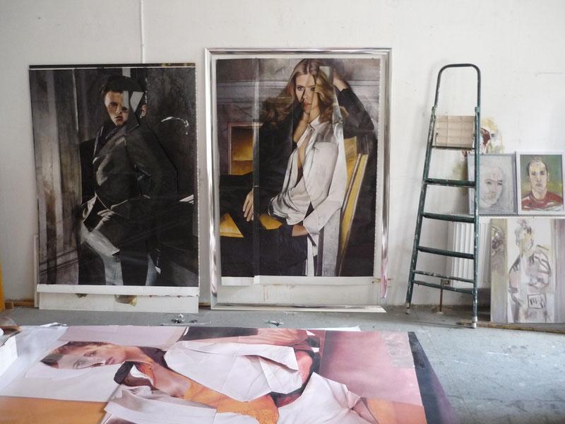 Atelierblick mit BOSS-Plakaten und Collagen 2008