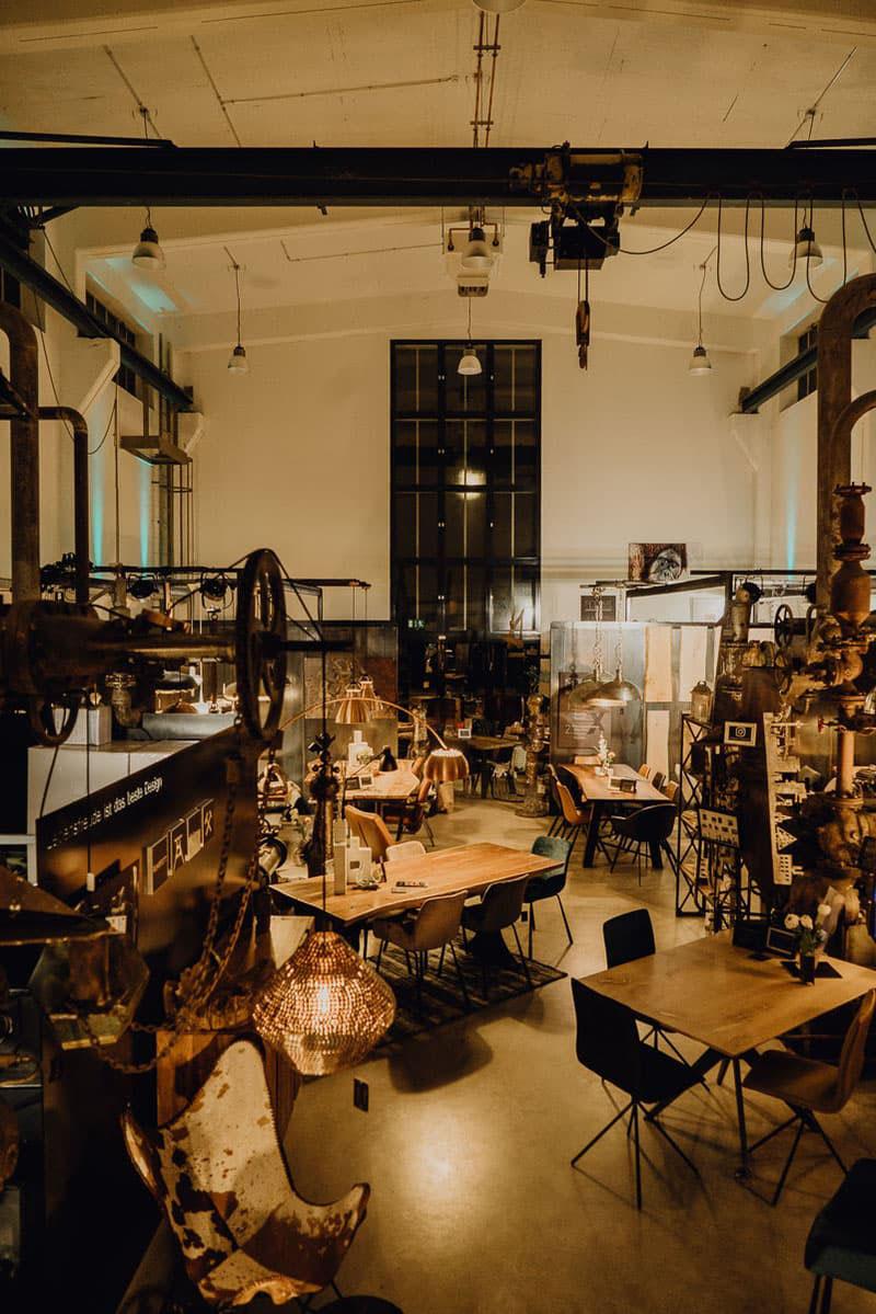 Unsere moderne Industrial-Design-Möbel-Boutique auf Zollverein ...