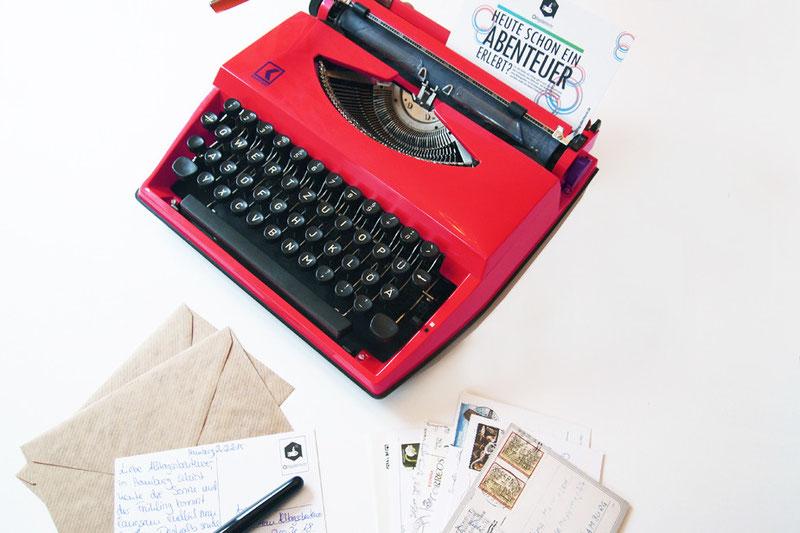 Alltagsabenteurer Alltagsabenteuer Postcrossing Postkarten versenden Urlaubspost Karten schreiben Freizeit Schreibmaschine Urlaub