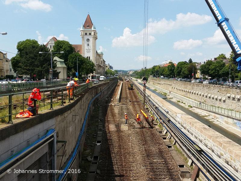 NEU4 - Modernisierung der U-Bahnlinie U4 (10.06.2016), bei der Station Hietzing