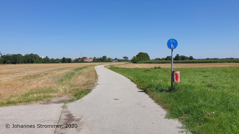 Radweg auf Trasse der St. Pöltener Straßenbahn