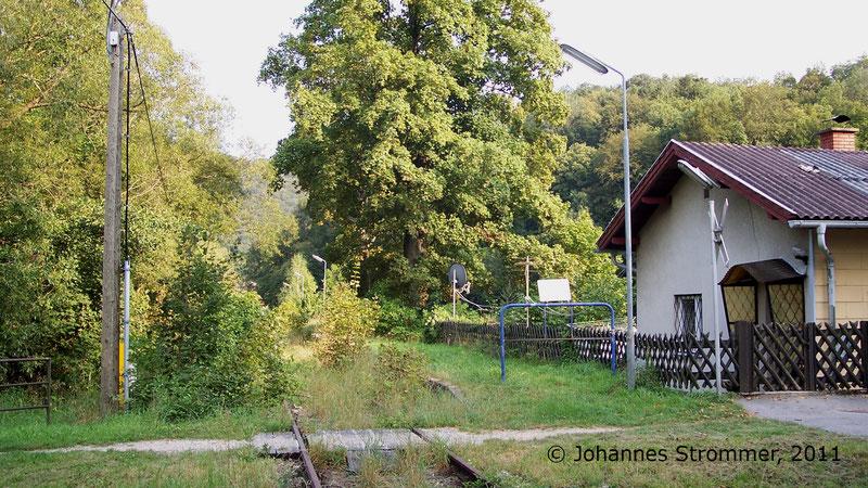 Bahnstrecke Weissenbach-Neuhaus - Hainfeld (Leobersdorfer Bahn); Haltestelle Tasshof 2011.