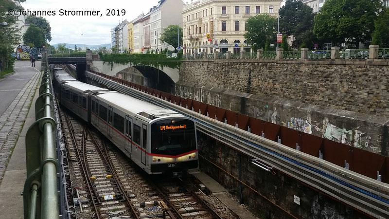 NEU4: U-Bahnzug befährt Gleiswechsel zwischen den Stationen Margaretengürtel und Pilgramgasse