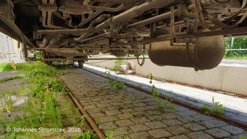 Gleisrest der Harlander Zwirnfabrik der Straßenbahn St. Pölten
