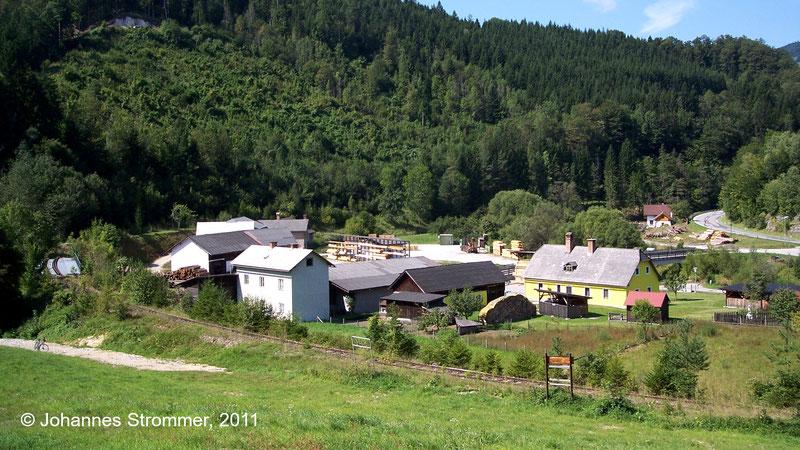 Haltestelle Moosbach und Brücke der Strecke Freiland - Türnitz 2011