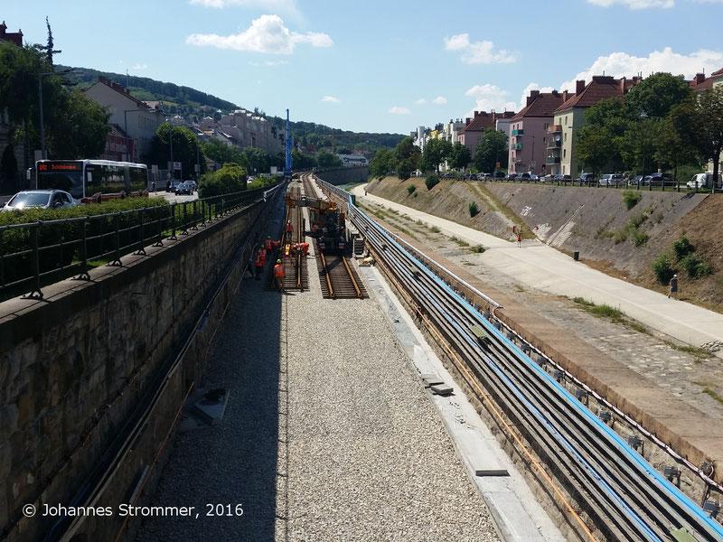 NEU4 - Modernisierung der U-Bahnlinie U4  (01.07.2016), bei der Station Ober St. Veit