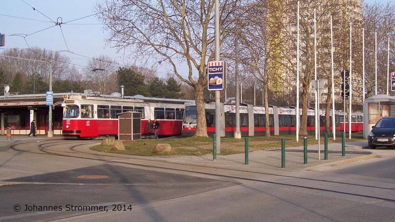 So sah es in Oberlaa im Jahr 2014, kurz vor der Einstellung des Straßenbahnbetriebes aus.