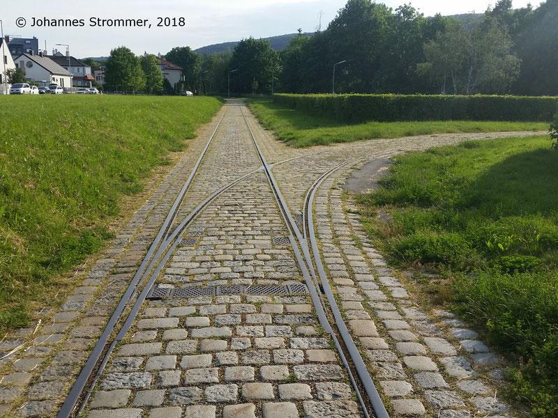 Straßenbahnlinie 360: Dieselbe Weiche wie in voriger Abbildung, allerdings Blick Richtung Mödling.