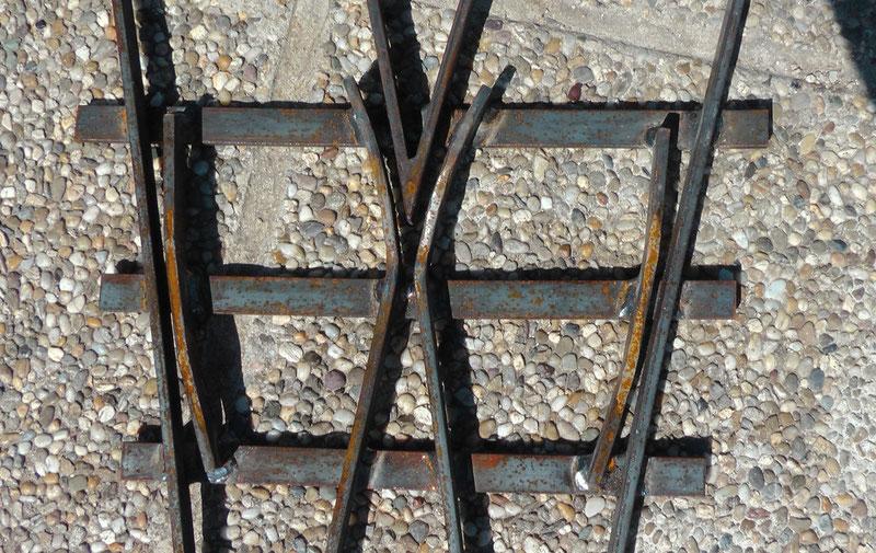 Herzstück mit Flügelschienen einer Weiche für meine Gartenbahn 5 Zoll