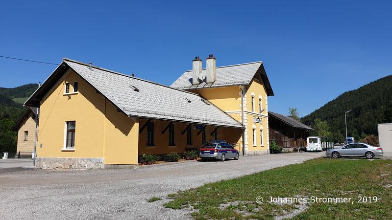 Blick auf den ehemaligen Bahnhof von Türnitz.