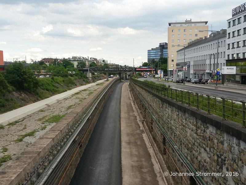 NEU4 - Modernisierung der U-Bahnlinie U4 (03.06.2016), zwischen den Stationen Unter St. Veit und Ober St. Veit