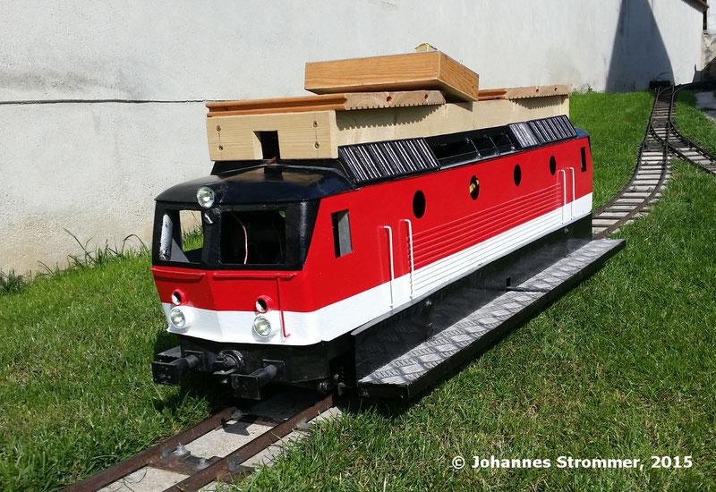Lokomotive der BR 1144 meiner Gartenbahn 5 Zoll in Mörbisch, Oktober 2015