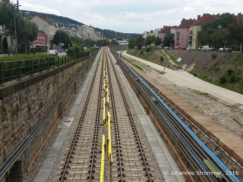 NEU4 - Modernisierung der U-Bahnlinie U4  (09.08.2016), bei der Station Ober St. Veit