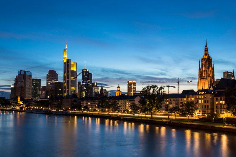 Frankfurt - Skyline (Copyright Martin Schmidt, Fotograf für Schwarz-Weiß Fine-Art Architektur- und Landschaftsfotografie aus Nürnberg)