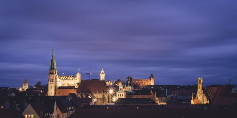 Nürnberg bei Nacht (Copyright Martin Schmidt, Fotograf für Schwarz-Weiß Fine-Art Architektur- und Landschaftsfotografie aus Nürnberg)