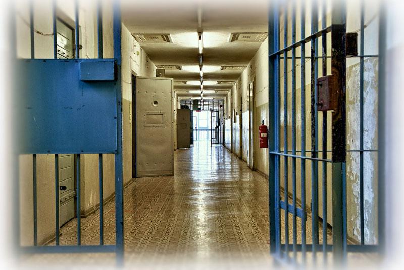 Im neuen Zellentrakt von 1961 mit 200 Einzelzellen wurden die Gefangenen in vollständiger Isolationshaft gehalten - nur der Stasi-Vernehmer war während der Verhöre die einzige Bezugsperson.