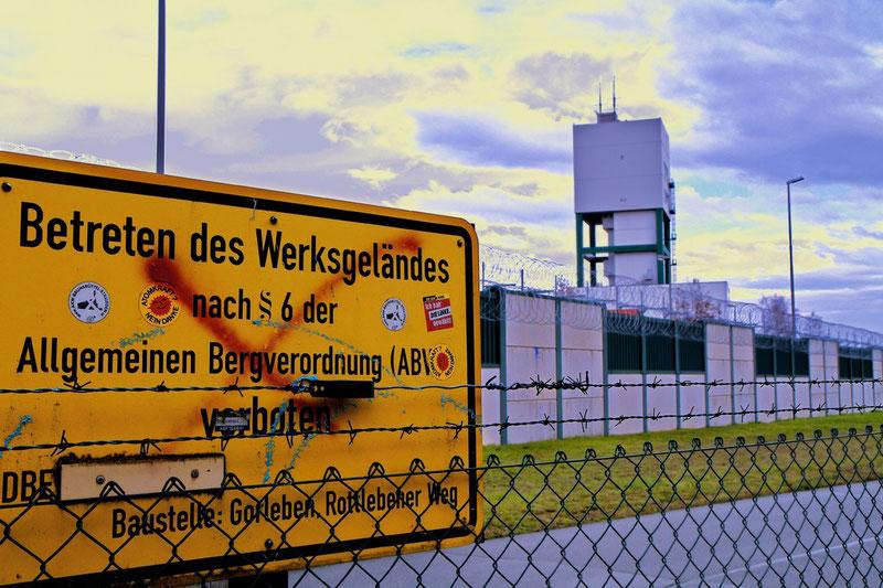 """""""Wintersonne über dem Endlager-Bergwerk bei Gorleben"""""""