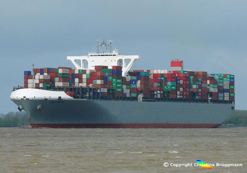 """Containerschiff """"MILLAUBRIDGE"""" auf der Elbe 23.04.2017"""