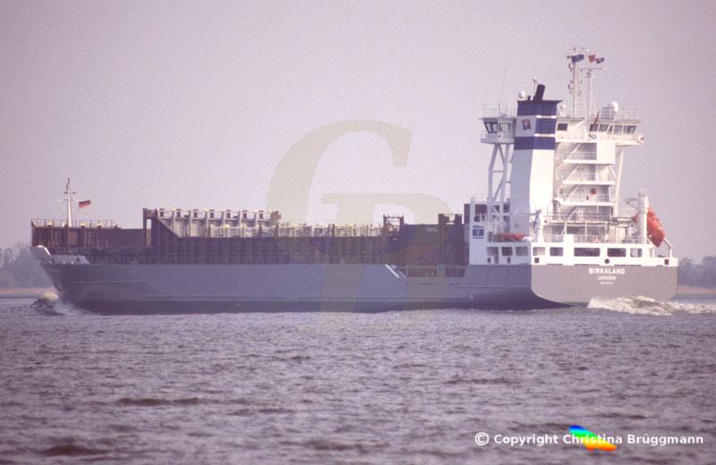 Feeder Containerschiff BIRKALAND, Elbe 2006