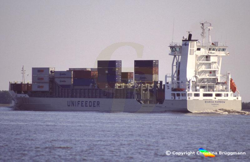 Feeder Containerschiff BIANCA RAMBOW, Elbe 2005