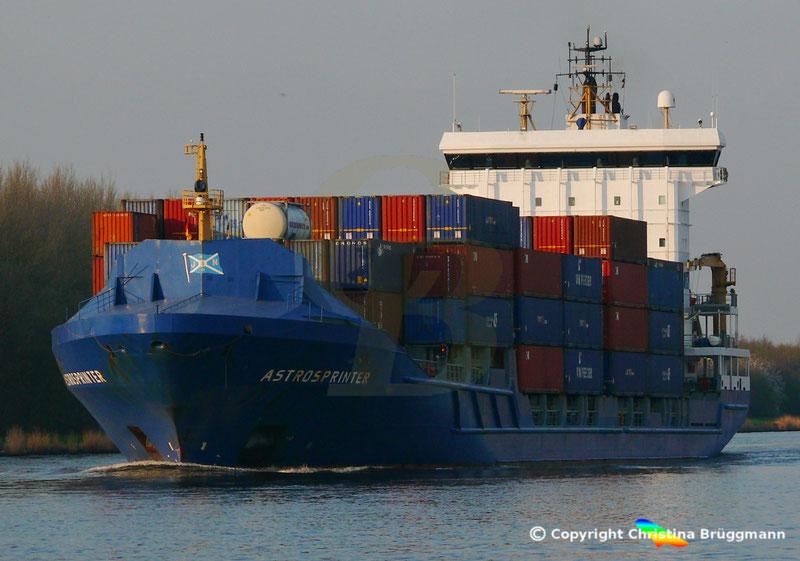 Feeder Containerschiff ASTROSPRINTER, Nord-Ostsee-Kanal 07.04.2019