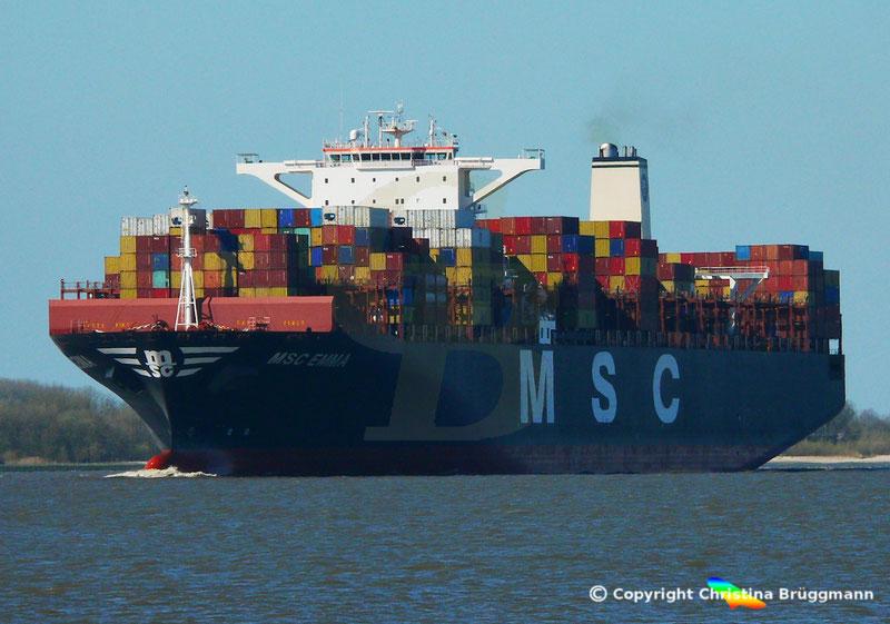 """Containerschiff """"MSC EMMA"""" auf der Elbe 01.04.2019"""