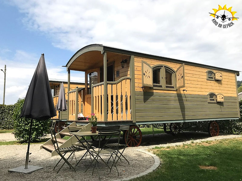 Zirkuswagen als Übernachtungsmöglichkeit für Familien am Bodensee.