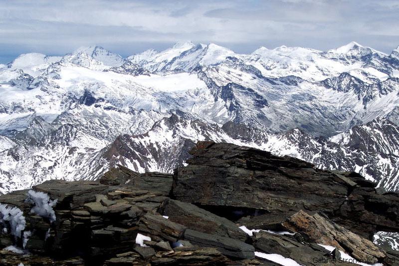 Ausblick vom Gipfel des Vorderen Seekopf (3282 m) Richtung Nordosten