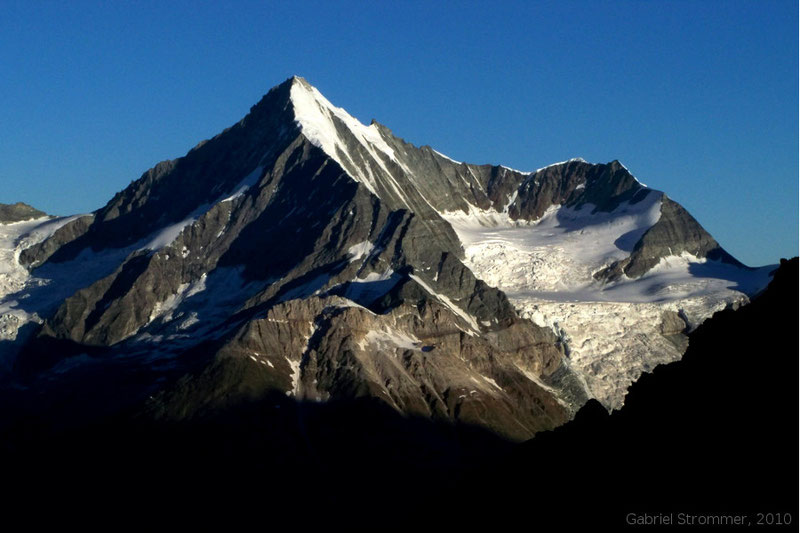 Weisshorn (4505 m) vom Anstieg zur Alphubel aus gesehen