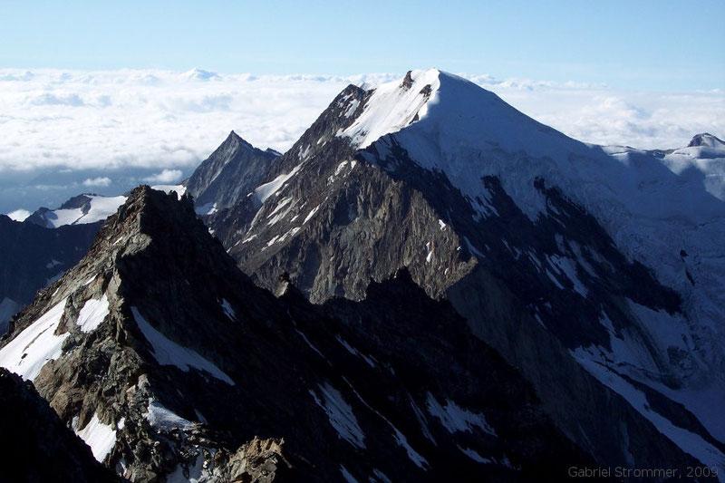 Blick vom Gipfel des Lagginhorn (4010 m) zur Weissmies (4017 m)