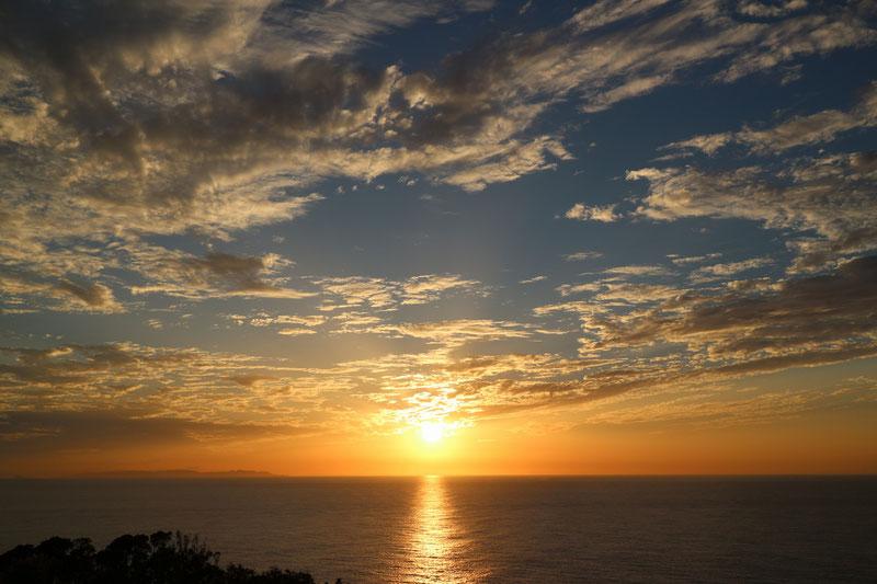 京都市下京区四条烏丸の心療内科、メンタルクリニック、海、夕日、日没
