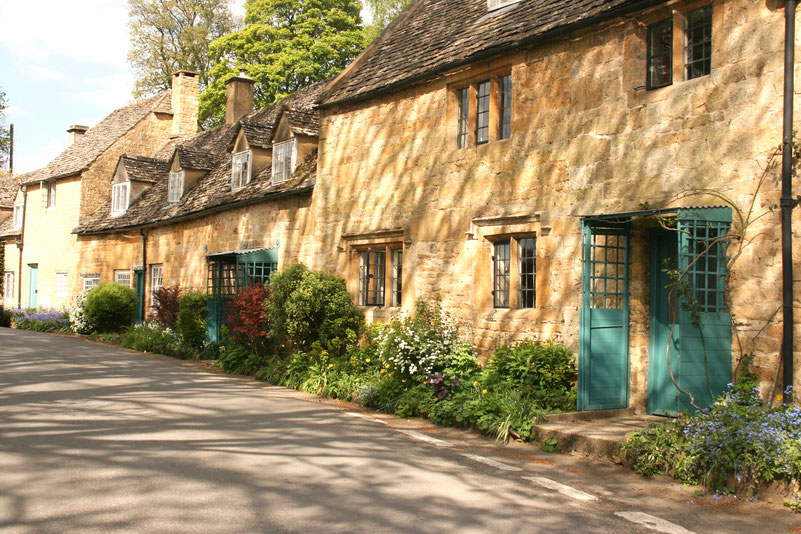 Cotswolds UK ofpenguinsandelephants The Ultimate Guide to Exploring the Cotswolds Snowshill houses