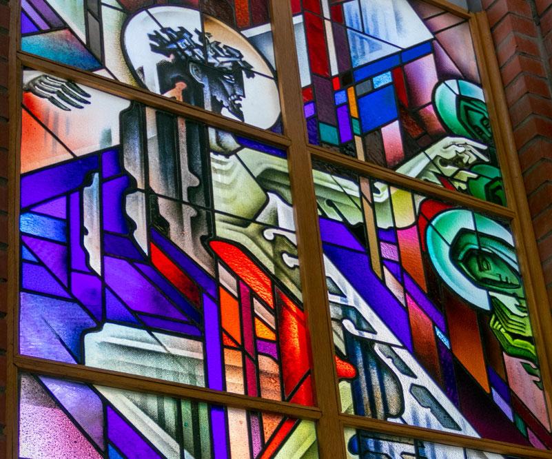 Vitražai Dievo Apvaizdos bažnyčioje / Foto: Kristina Stalnionytė