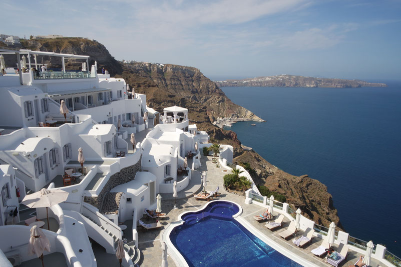 Best hotel on the caldera on Santorini