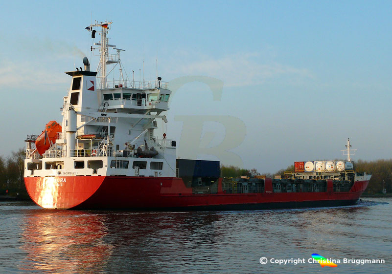 Containerschiff LAURA, Nord-Ostsee-Kanal 07.04.2019