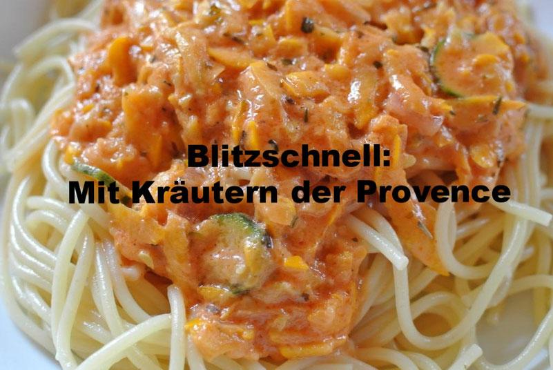 Zucchini-Soße: Blitzschnell und mit Kräuter der Provence