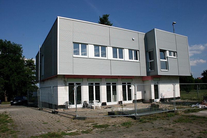 Der aktuelle Bauabschnitt zeigt jetzt schon, wie modern, funktional und effizient das neue Vereinsheim des SVO geplant und gebaut wurde.