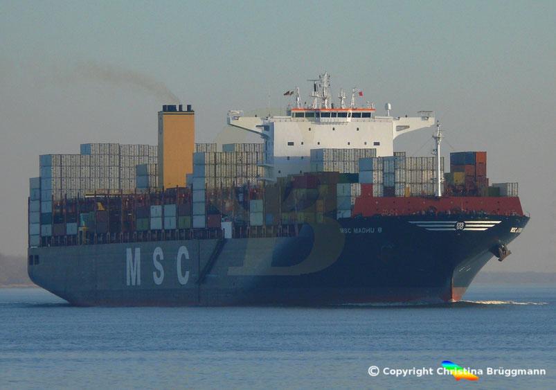 Containerschiff MSC MADHU B