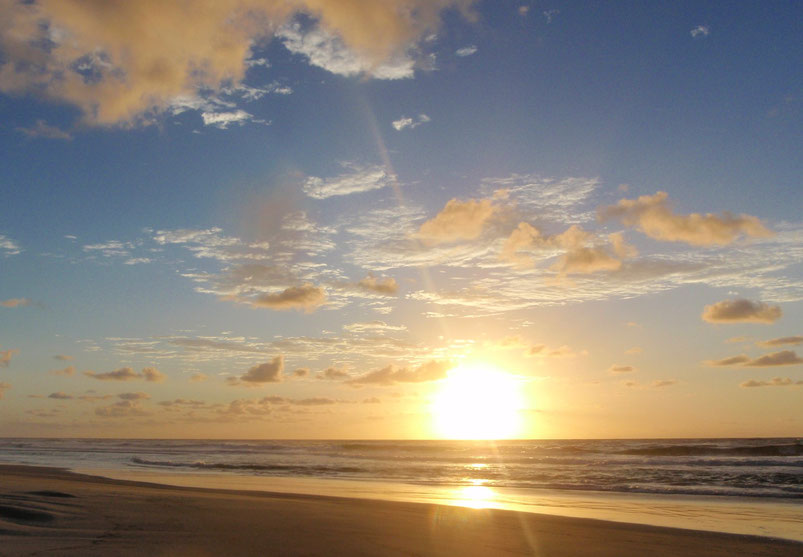 Sunrise, Seventy-Five Mile Beach, Fraser Island, Australia