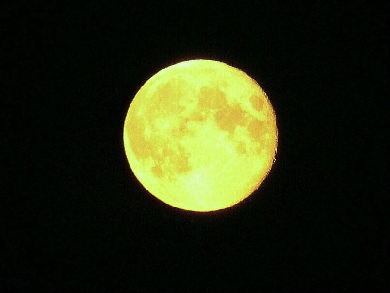 Mond über Sibirien, Mondaufgang um 21:30 Uhr - die Tage werden kürzer.