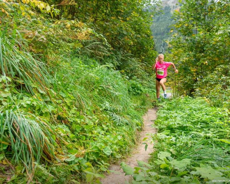 Julia Mayer pink run Bad Gastein Krebshilfe schwarzjirg Szymoniuk pink ribbon Siegerin trail run