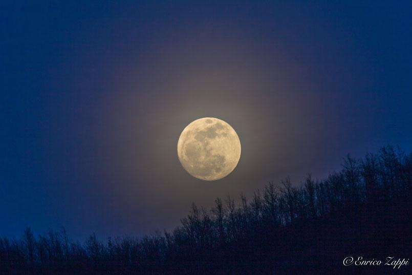 Il sorgere della luna a San Benedetto in Alpe.......sempre emozionante!!!!