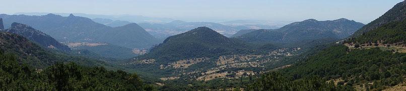 Photographie, Espagne, Andalousie, villages blancs, sierra de grazalema, parc naturel, forêts, montagnes, vallées, collines, vert, bleu, Mathieu Guillochon