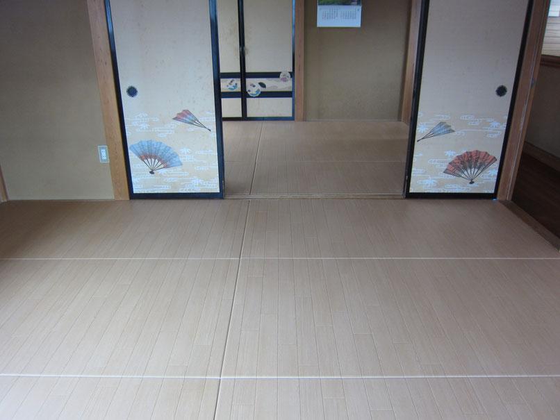 工事無しで洋室にリフォームが出来る「リフォーム畳®」です!滑りにくく、足ざわりは柔らかく、水拭き掃除が出来て、丈夫です。